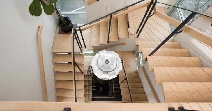 Great Paragon Spiral Stairs Picture 916