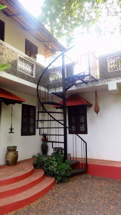 Innovative Outside Stairs Design For Indian Houses Photo 038
