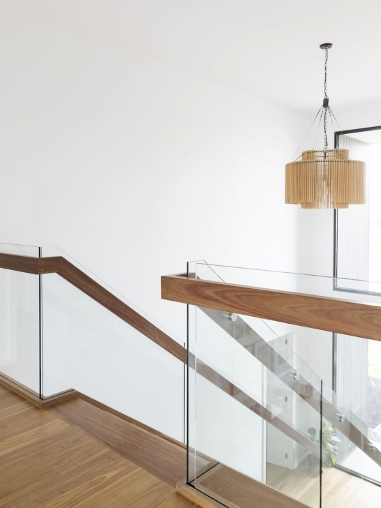 Insanely Glass Balustrade With Timber Handrail Picture 583