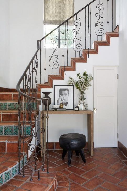 Inspiring Duplex Stairs Wall Design Photo 504