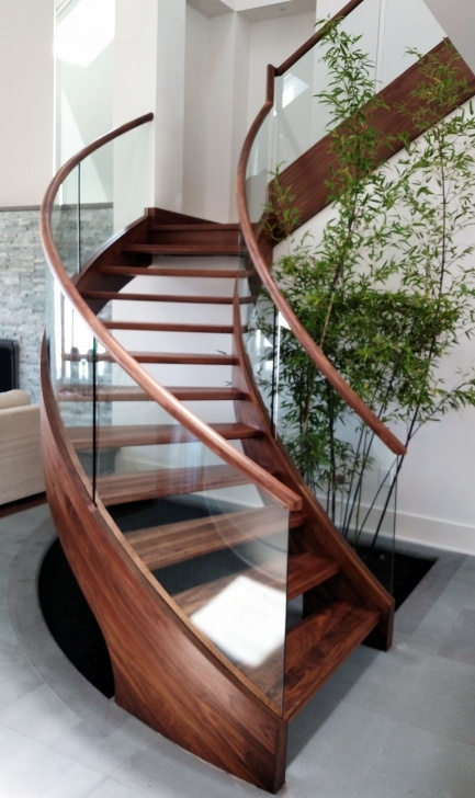 Simple Curved Wooden Staircase Image 681