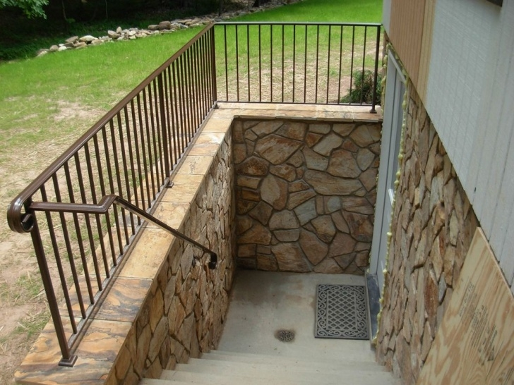 Simple Walkout Basement Stairs Image 783