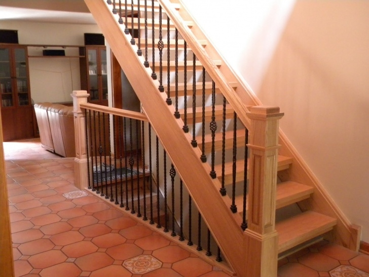 Stylish Wooden Railing Designs For Stairs Photo 049