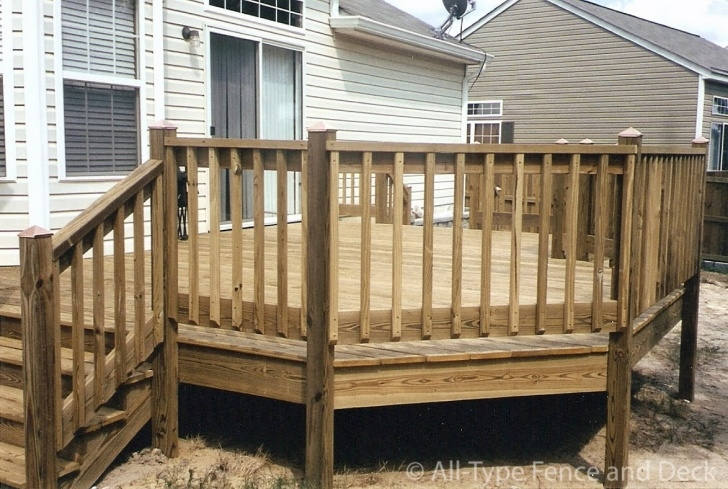 Top Wood Balusters Deck Photo 661