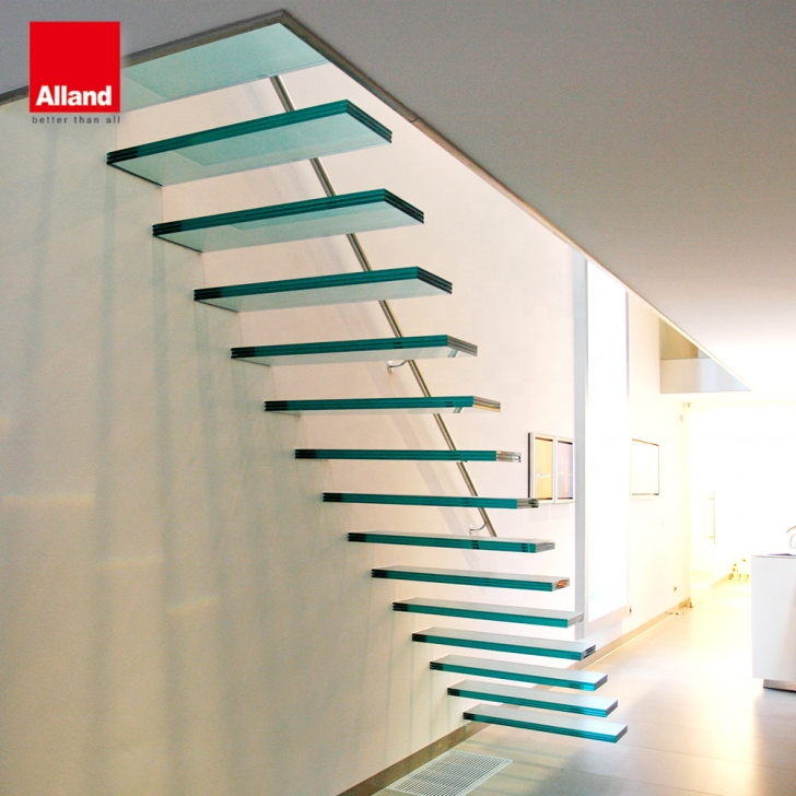 Cool Floating Glass Staircase Photo 017