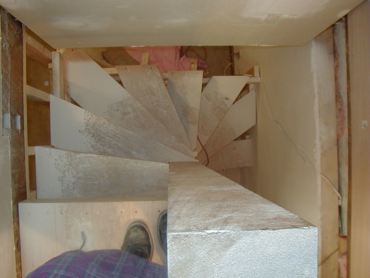 Fantastic Spiral Staircase To Basement Picture 156