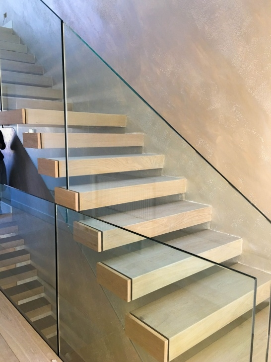 Gorgeous Floating Glass Staircase Picture 340