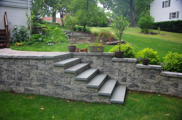 Gorgeous Stair Outside Wall Design Image 799