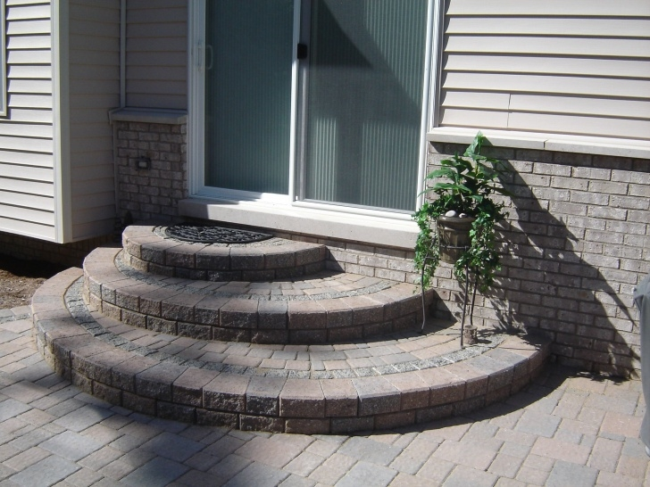 Great Rounded Patio Steps Photo 021