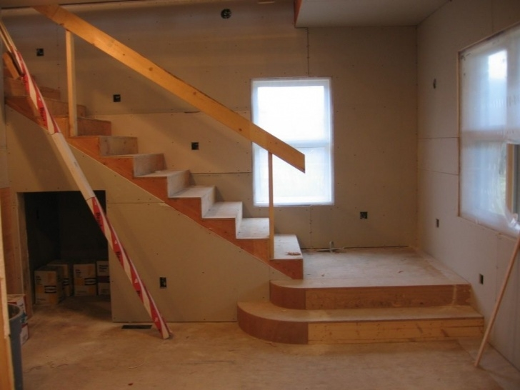 Ideas for Basement With Stairs In Middle Image 544