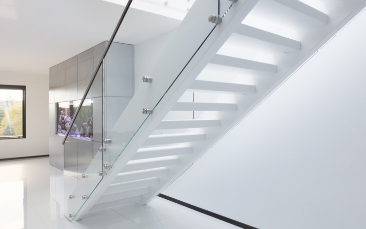 Imaginative White And Glass Staircase Image 799
