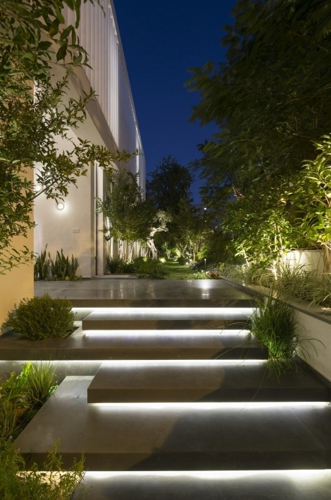 Inspiration Modern Entrance Stairs Photo 006