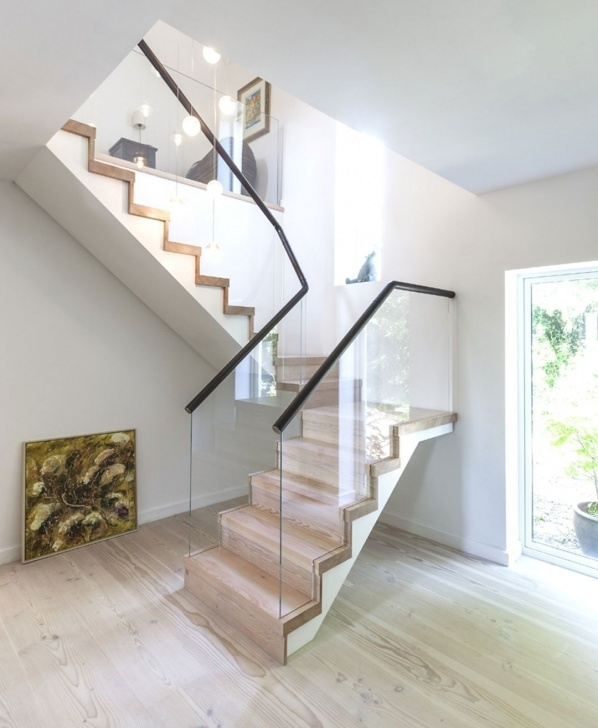 Inspiring Staircase For Small House Photo 936