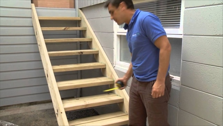 Interesting Building Wooden Stairs Photo 831