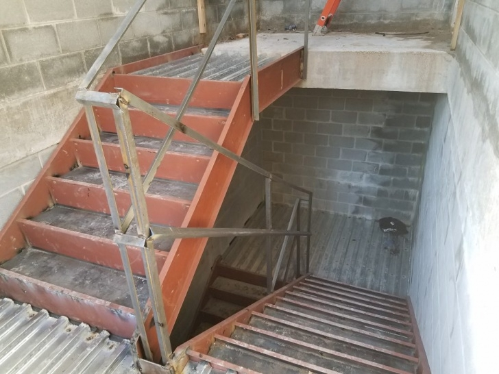 Interesting Metal Pan Stairs Picture 008