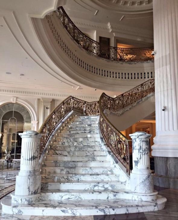 Sensational Modern Grand Staircase Photo 549