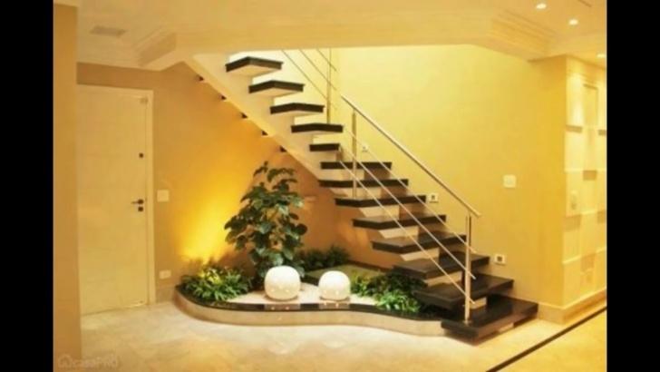 Sensational Under Stair Garden Design Photo 513