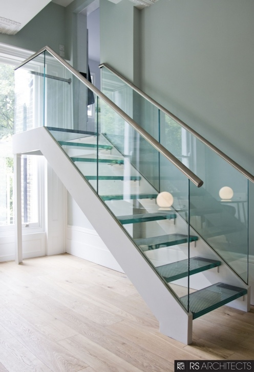 Simple Glass And Chrome Banisters Photo 618