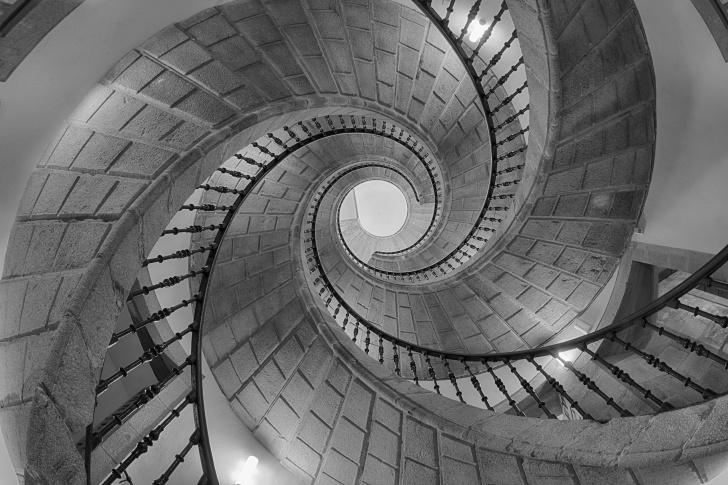 Simple Impossible Spiral Staircase Picture 650