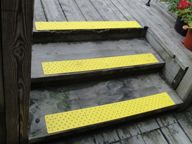 Splendid Outdoor Stair Treads For Ice Image 154