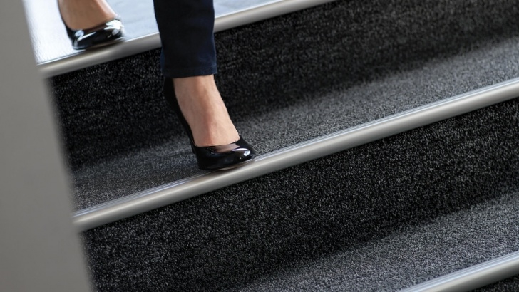 Stylish Carpet Stair Nosing Photo 762