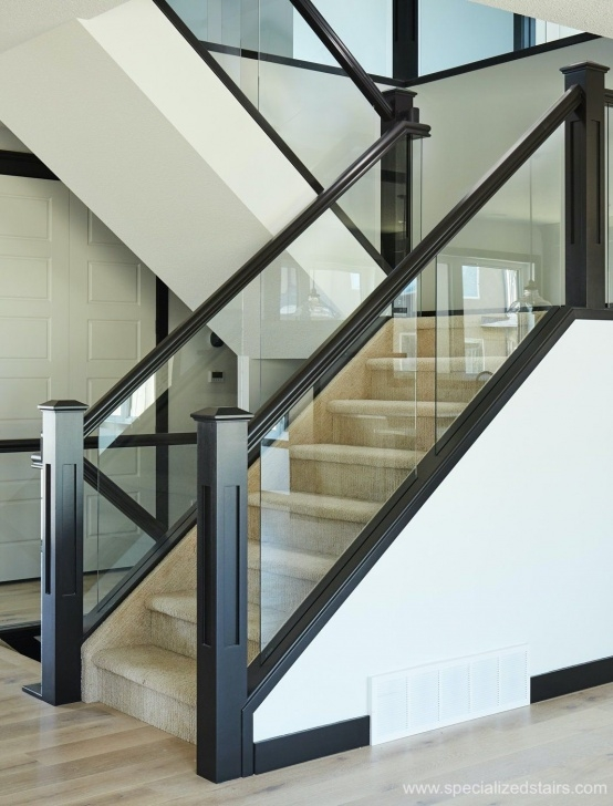 Stylish Glass Stair Panels Picture 604