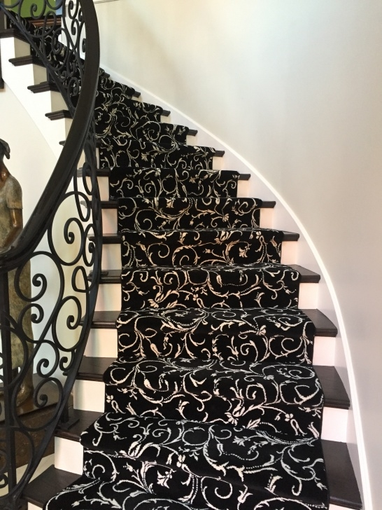 Stylish Patterned Stair Carpet Image 516