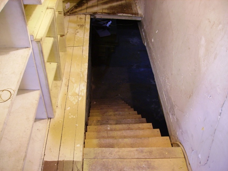 Surprising Stairs Going Down To Basement Photo 741