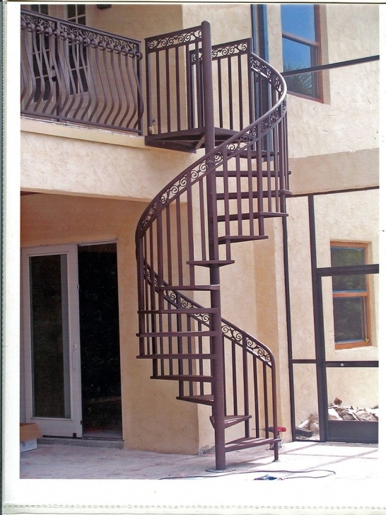 Top Cast Aluminium Spiral Staircase Image 594