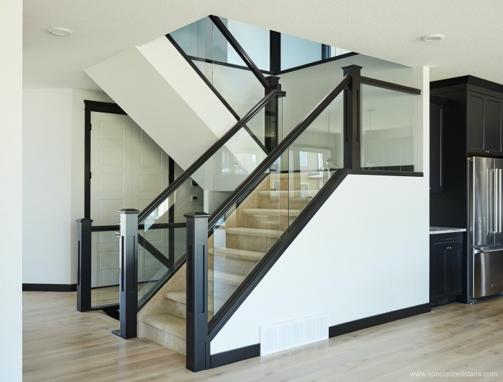 Top Glass Stair Panels Image 348